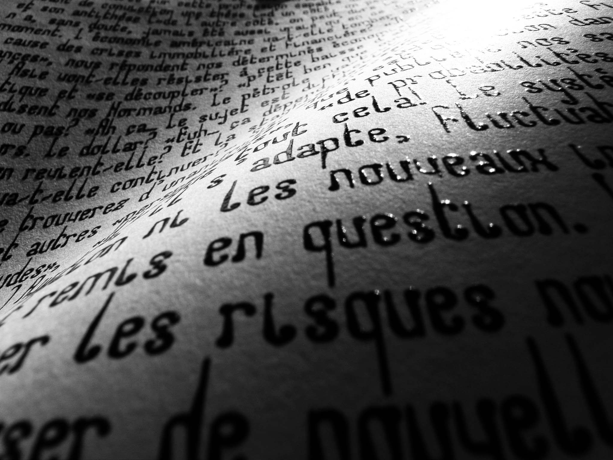 Texte-noir-relief